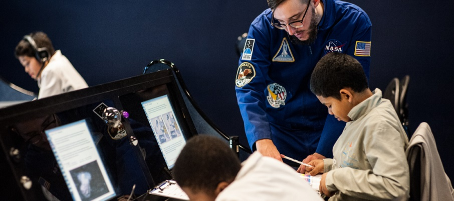 Students instructed at Mission Control