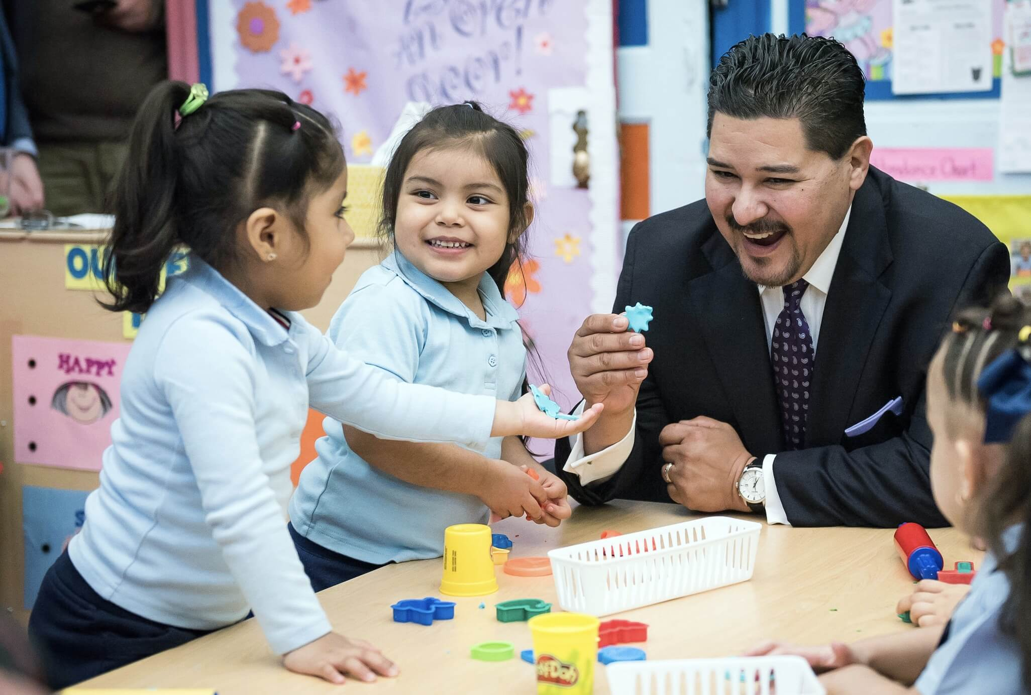 NYC DOE Chancellor Carranza with pre-k students
